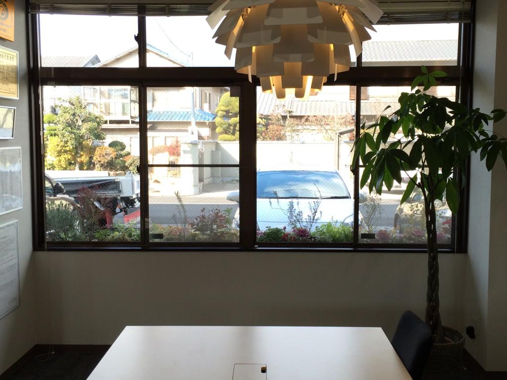 オフィス内よりベジトラグウォールハガー1