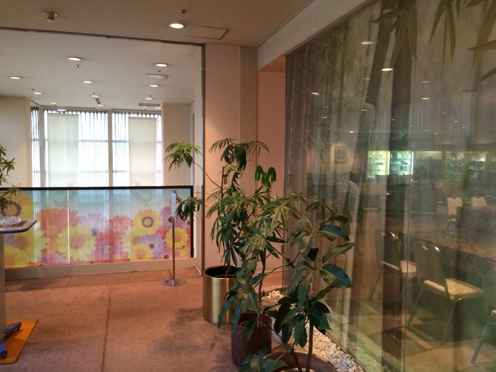 岡山ロイヤルホテル様 喫煙ルームリニューアル施工前4