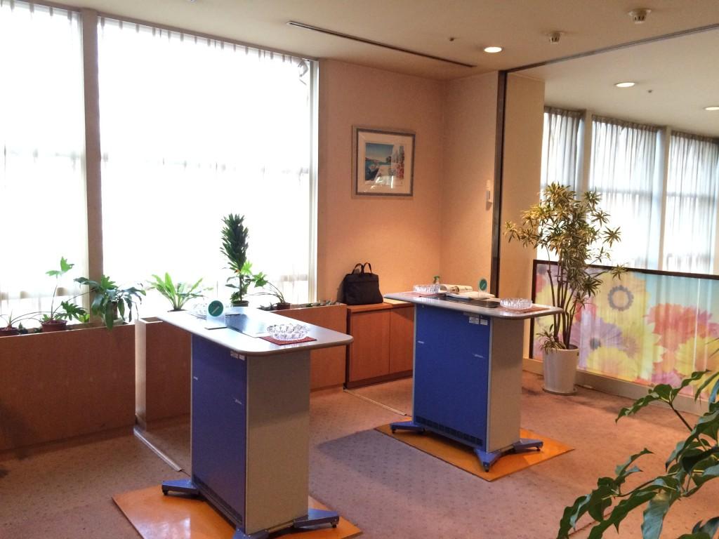 岡山ロイヤルホテル様 喫煙ルーム施工前1