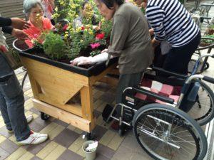 ベジトラグ車椅子植替え1